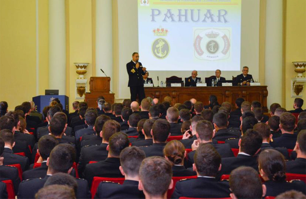 Visita del PAHUAR a la Escuela Naval Militar